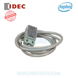 Magnetic proximity switch